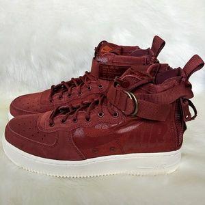 Nike Airforce 1 Mid Womens Sneakers
